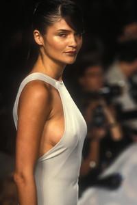 donna-karan-ss-1996-3.thumb.jpg.702095a91c419b30fd438d45b34c3975.jpg