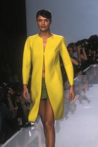 donna-karan-ss-1996-5.thumb.jpg.ff4870121c2c2a16a53e9da79f6bfb47.jpg
