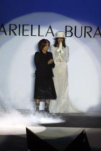 mariella-burani-fw-2003-8.thumb.jpg.4ee005111a6e2e51219bb5d20c266a4a.jpg