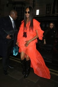 naomi-campbell-night-out-style-leave-mnky-hse-in-london-0.thumb.jpg.74247cb7319bc1ae803bfba6eb70719a.jpg