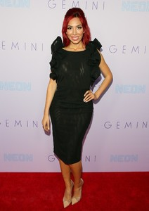 Farrah+Abraham+Neon+Los+Angeles+Premiere+Gemini+GgcnrDiiwcix.jpg