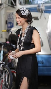 Deanna Russo - the Set of 'Gossip Girl' in New York, 02-09-2009 03.jpg