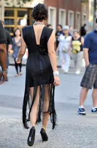 Deanna Russo - the Set of 'Gossip Girl' in New York, 02-09-2009 07.jpg