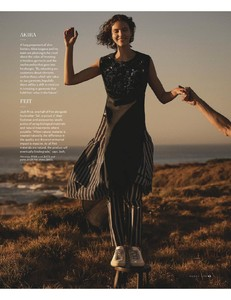 VogueAustralia-March2018-page-009.jpg