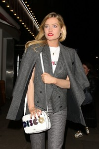 laura-whitmore-style-at-covent-garden-1st-birthday-party-in-london-2.jpg