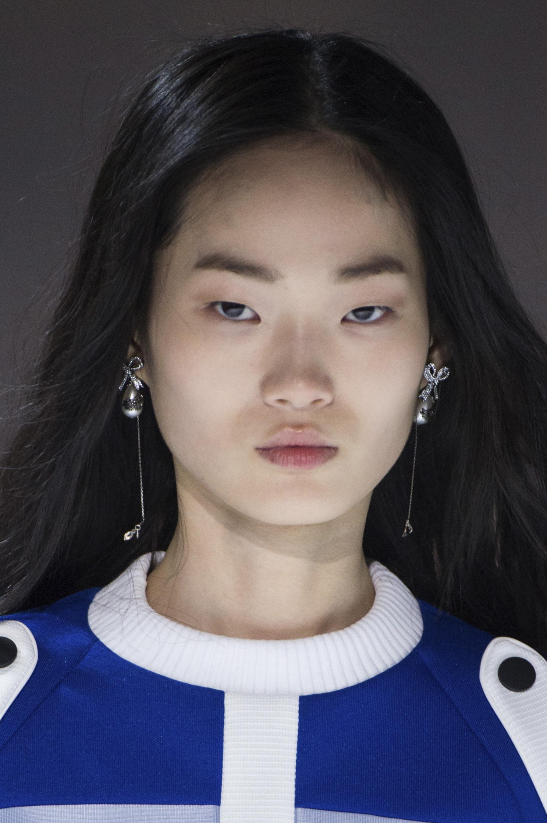 Video Hyun Ji Shin nude (21 foto and video), Tits, Bikini, Feet, braless 2006