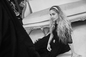 12--pictures-by-Olivier-Saillant---Jemima-Kirke-02.jpg