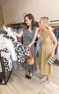 Louise+Roe+Louise+Roe+Jacey+Duprie+Host+Shopping+eZ-Pqu0GB27x.jpg
