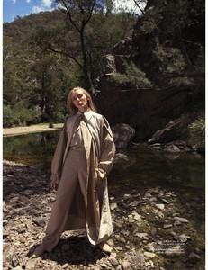Elle_Australia_-_May_2018-page-006.jpg
