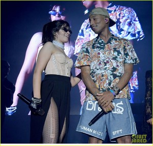camila-cabello-and-pharrell-williams-perform-sangria-wine-at-her-la-concert-04.jpg