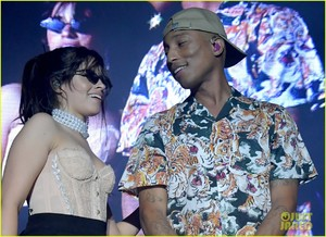 camila-cabello-and-pharrell-williams-perform-sangria-wine-at-her-la-concert-07.jpg