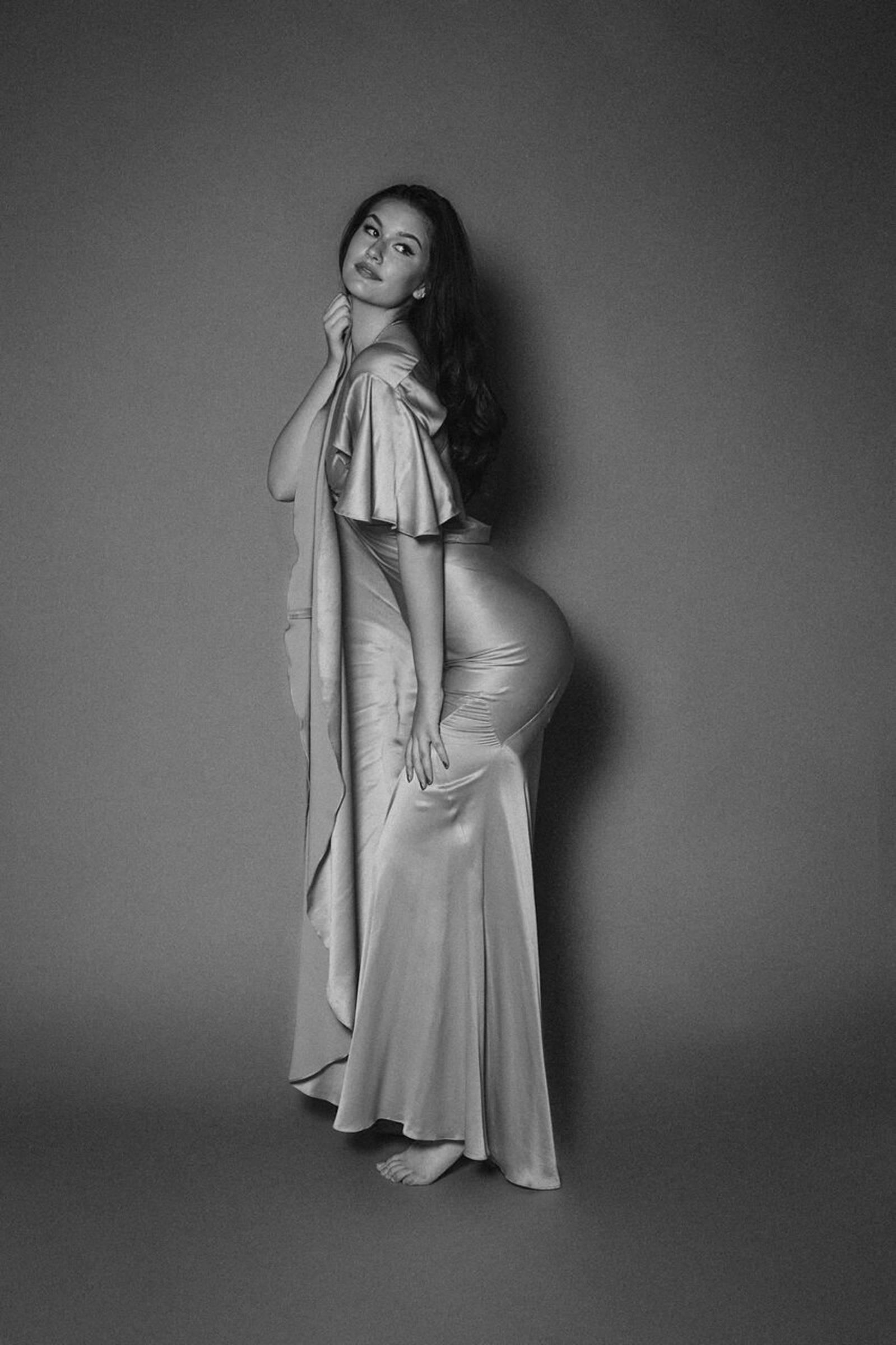 mae mckagan female fashion models bellazon