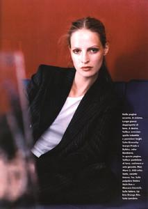 Mathilde-Pedersen-ELLE-ITALIA-OCTOBER-1997-Rigore-Femminile-ph.Eamonn-J.-McCabe-02.thumb.jpg.88635612964c6c463cb5a84f776a5b32.jpg