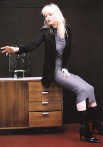 Mathilde-Pedersen-ELLE-ITALIA-OCTOBER-1997-Rigore-Femminile-ph.Eamonn-J.-McCabe-05.thumb.jpg.b5cab0ef34e99932668df5ee48f6b66b.jpg