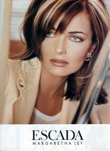 Paulina-Porizkova-Escada-1995-01.thumb.jpg.d473ef0c0e33449a0e962cb6c085183c.jpg
