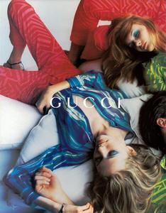 Testino_Gucci_Spring_Summer_1996_04.thumb.png.527a592b777d035c59f87c21f74b89c8.png