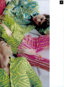 Testino_Gucci_Spring_Summer_1996_05.thumb.png.9a68627bb625d8c7ee2150ed2068598a.png