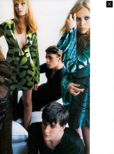 Testino_Gucci_Spring_Summer_1996_07.thumb.png.9d7b8504e4e899f916db8a5d8a2d92a3.png