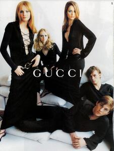 Testino_Gucci_Spring_Summer_1996_08.thumb.png.0373dece403a7340af9f239213dc945a.png