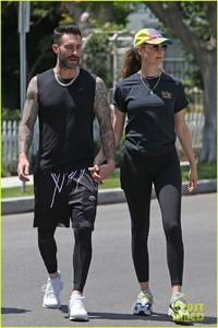 adam-levine-behati-prinsloo-kick-off-their-sunday-workout-25.jpg
