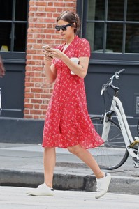 irina-shayk-out-and-about-in-new-york-05-23-2018-2.thumb.jpg.40bc954135a78d42dcf14de3ef3f5475.jpg