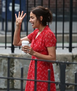 irina-shayk-out-and-about-in-new-york-05-23-2018-4.thumb.jpg.bf267631f14efbbf2ae149d7aeed1235.jpg