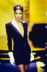 versace-hc-fw-1997-11.thumb.jpg.0ab206db043ae7b9faa9edf1a75e797d.jpg