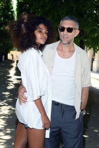 Tina+Kunakey+Louis+Vuitton+Front+Row+Paris+OnAv4LxENLWx.jpg