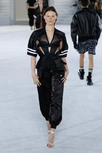 Alexander+Wang+Runway+June+2018+New+York+Fashion+Ts_uexJVTlHl.jpg