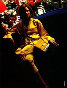Glamour_France_Sept_1990_30.thumb.jpg.b5751404f30a87cd4f0b83c22a4fb60d.jpg