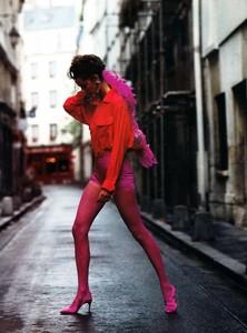 Glamour_France_Sept_1990_36.thumb.jpg.48128a89e7bbef486de0e4a9085719c2.jpg
