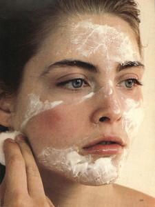Piel_Vogue_US_March_1980_02.thumb.jpg.95d49de789056f2527c12e9e871f8390.jpg