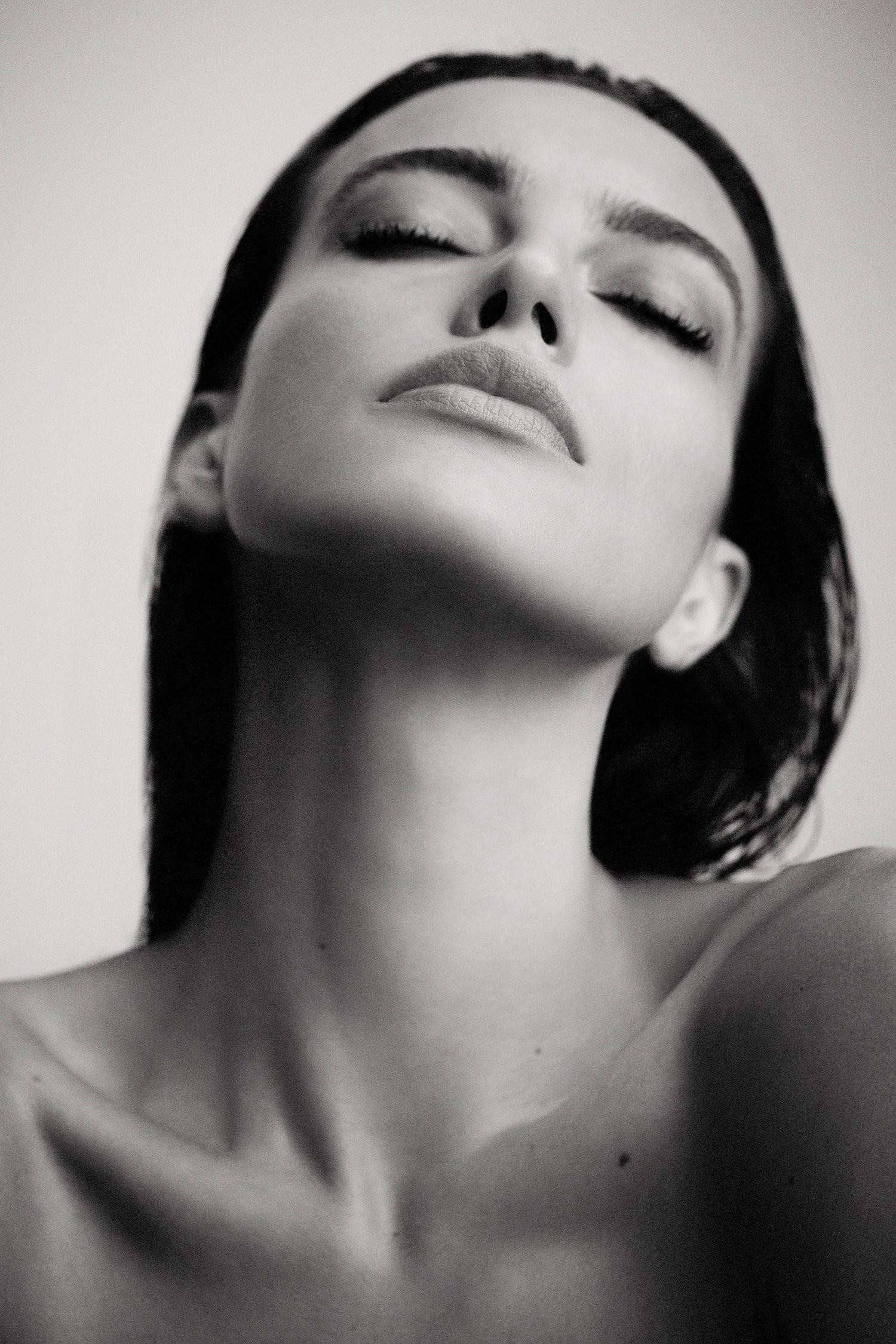 bra Is a cute Serliana Rosida naked photo 2017