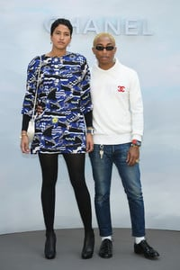 Pharrell+Williams+Chanel+Front+Row+Paris+Fashion+gakPGOzu2Kqx.jpg