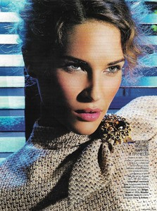 glamour russiaoctober 2004 6.jpg