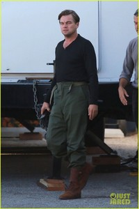 leonardo-dicaprio-starts-filming-once-upon-a-time-in-hollywood-03.jpg