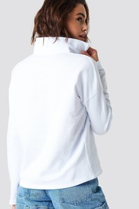 nakd_front_zipper_sweatshirt_1018-001196-0464_02b.jpg