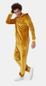 original-velour-jumpsuit-gold-3.thumb.jpg.2d7d932f08568a760abea775f79d026c.jpg