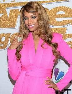 tyra-banks-america-s-got-talent-at-the-dolby-theatre-in-hollywood-08-28-2018-2.thumb.jpg.8567ae4cf6d9752104bd49864f181ccc.jpg