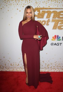 tyra-banks-at-america-s-got-talent-live-show-in-hollywood-08-21-2018-5.jpg