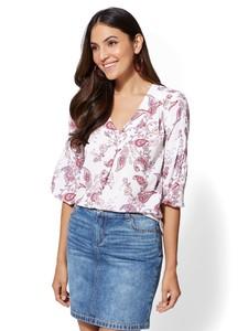 Cerelina Proesl New York & Company Soho Soft Shirt - Print V-Neck Blouse 01270166_041.jpg
