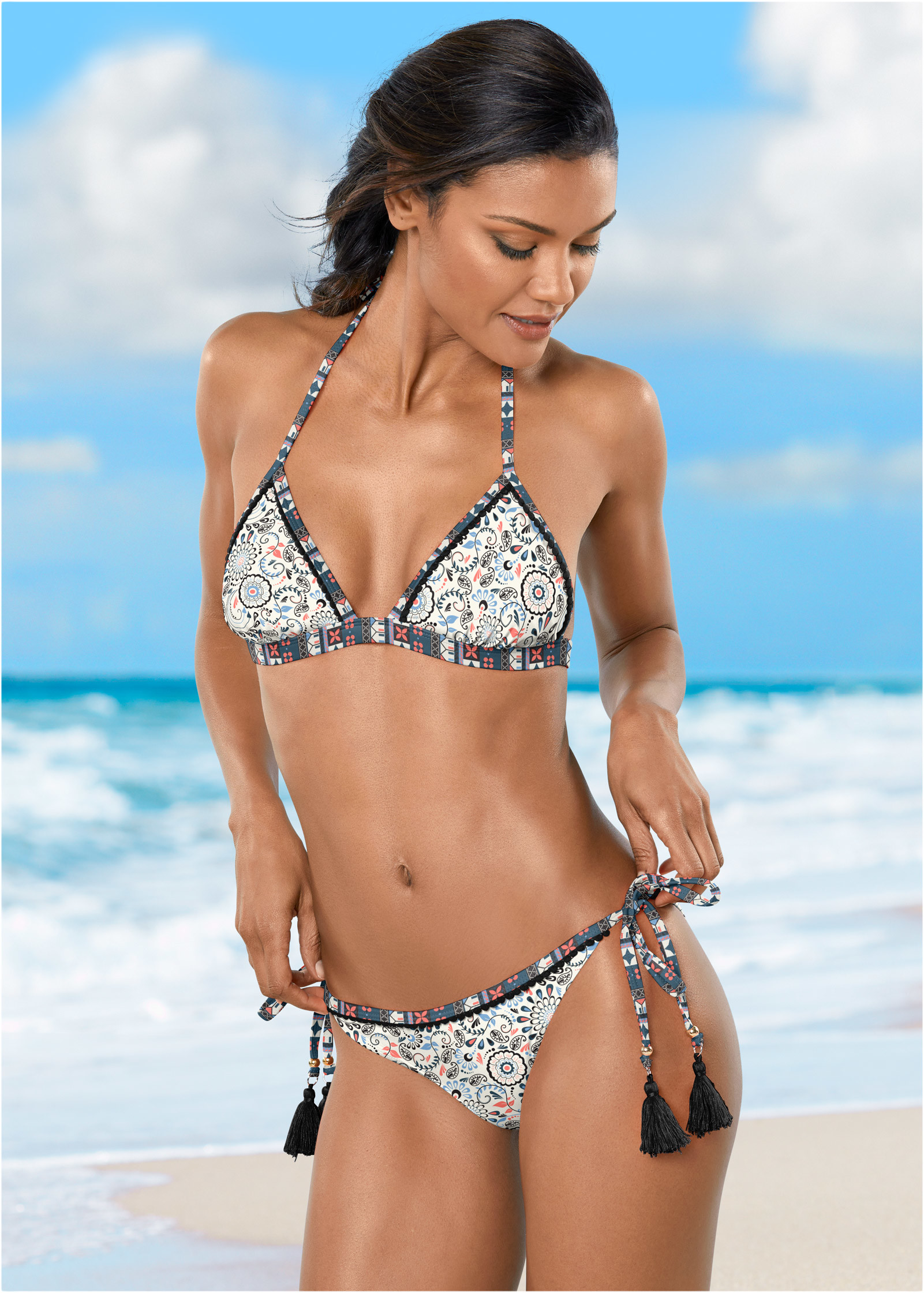 mom-with-bikinis-that-are-painted-ontures