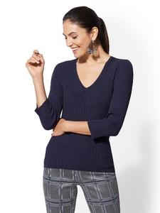 Cerelina Proesl New York & Company 7th Avenue - V-Neck Sweater 02986142_180.jpg