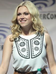 Eliza-Taylor-Cotter (2).jpg