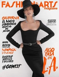 Alessandra Ambrosio-Fashion & Arts-Espanha.jpg