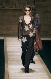 Laura+Biagiotti+Fall+2002+2k2IQdd7ZKWx.jpg