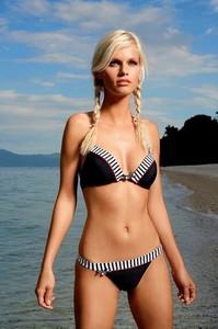 64791326_cheek-swimwear-lucky-02_rgb.jpg