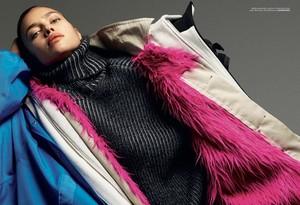 Irina-Shayk-Vogue-Turkey-Cover-Photoshoot08.thumb.jpg.a135b352234b953af9de6162200d16bf.jpg