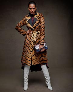 Simonetta-Ravizza-Reversible-Tiger-Print-Lamb-Short-Coat.thumb.jpg.9bb9d3ad51afe75d8923ba06c2ef8937.jpg