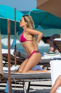 Sylvie-Meis-in-Bikini-2018-adds--23-662x1001.jpg